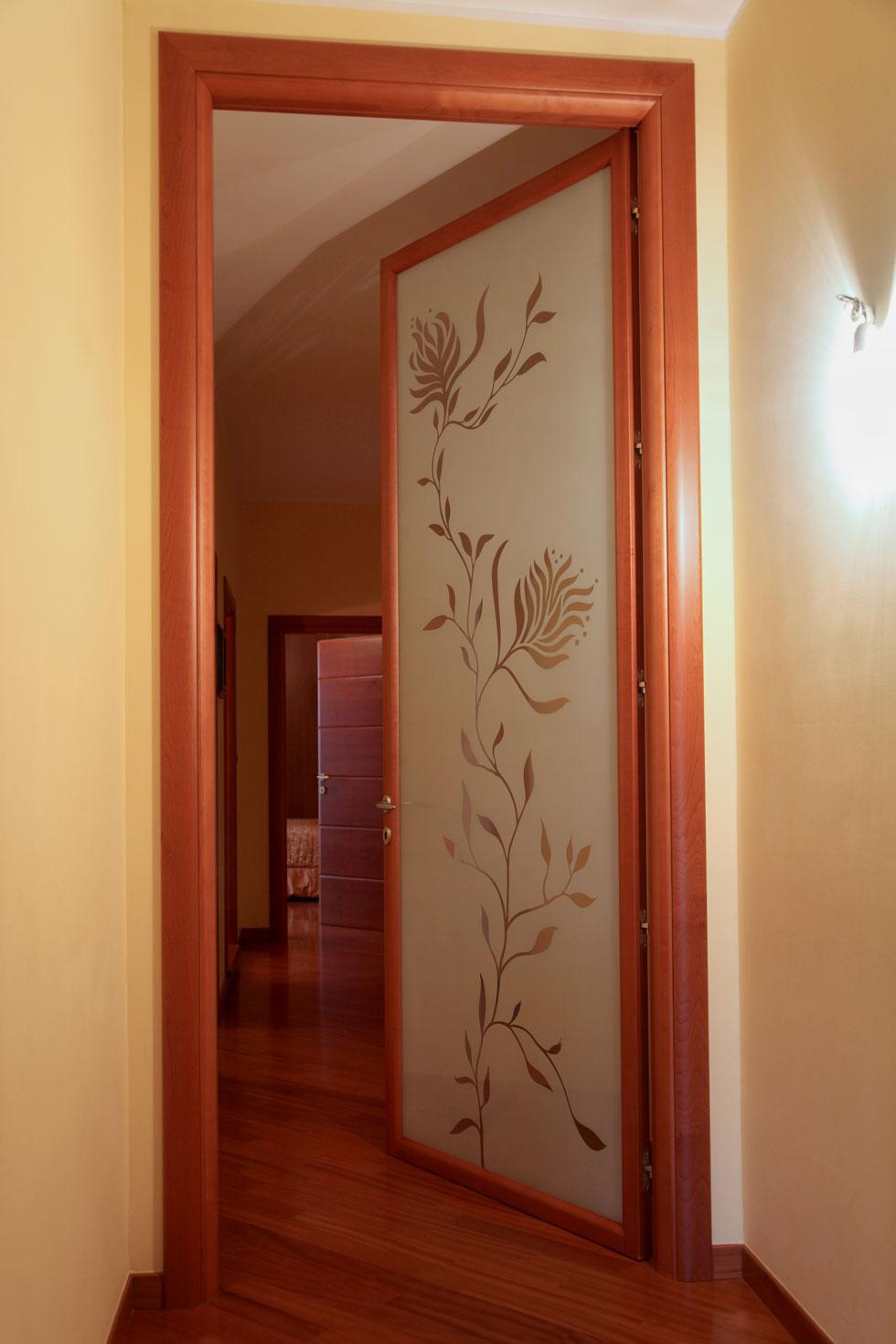 Arche 39 ambienti cabine armadio e vetrate for Porte bianche leroy merlin